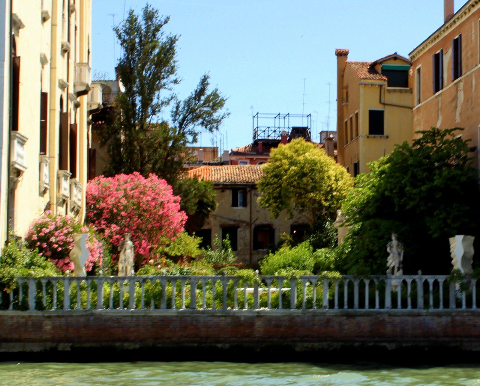 фото, чем остров лидо в венеции фото рекламу звезду